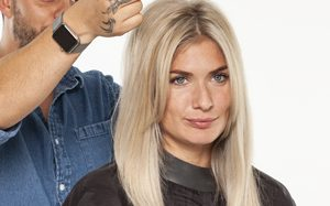 Step by Step_Blonde Highlights_StepSeven